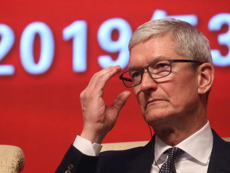 Коронавирус не позволяет Apple и Facebook вернуть своих сотрудников в офисы