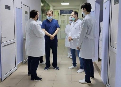 Один из лучших челюстно-лицевых хирургов России осмотрел порядка 100 чеченских детей