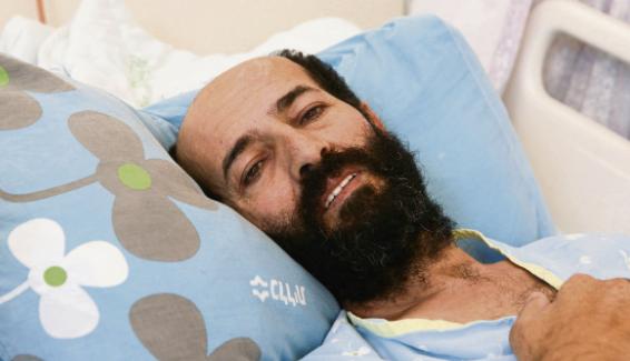 Голодающий 84 дня палестинский политзаключенный находится на волоске от смерти