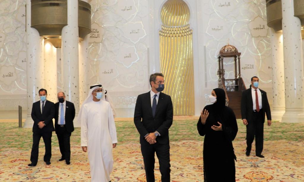 Премьер-министр одной из самых исламофобских стран побывал в мечети