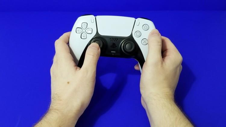Пользовали PlayStation 5 стали массово жаловаться на дрифт аналоговых стиков уконтроллеров DualSense