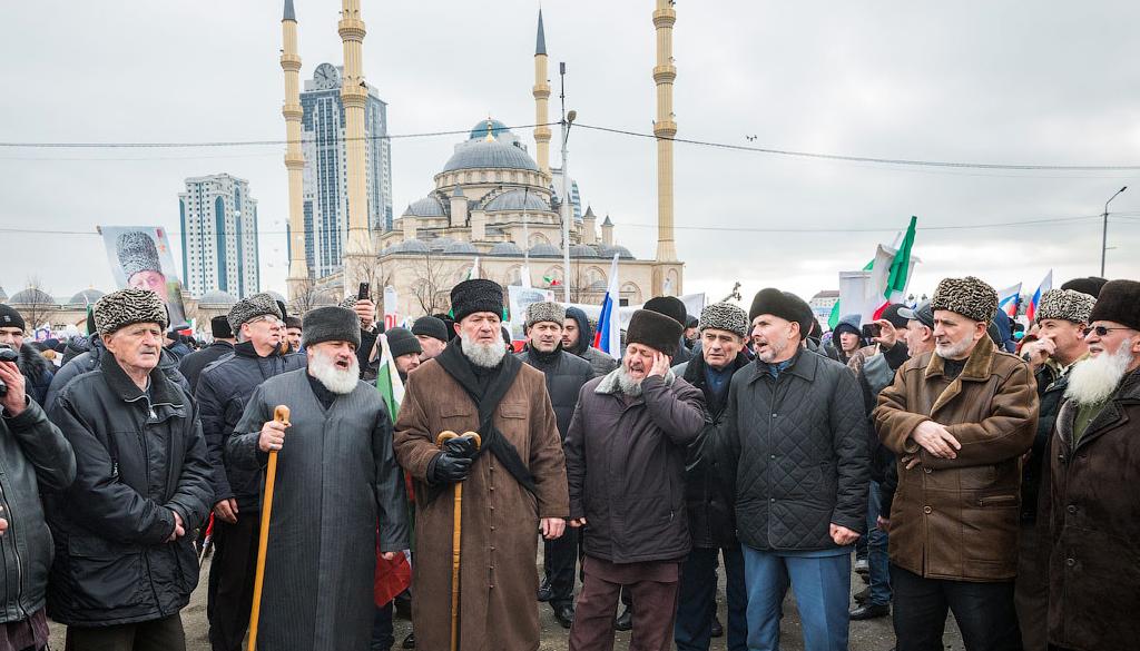 Проект шествия с портретами погибших религиозных деятелей в Чечне получил президентский грант