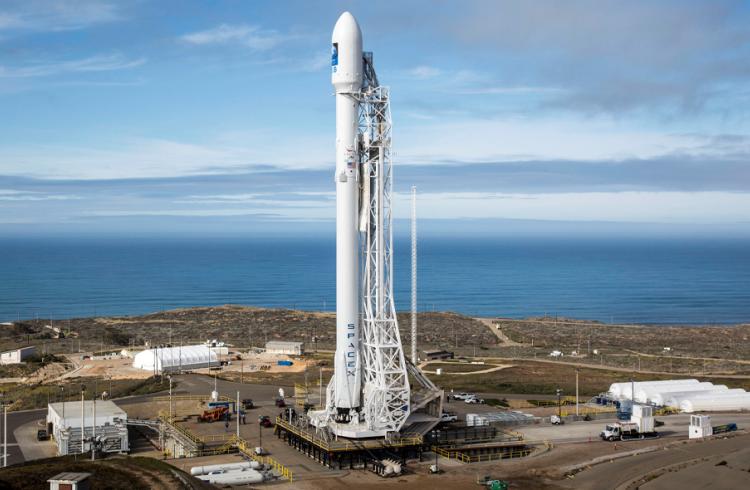 SpaceX запустила в космос очередную партию спутников связи Starlink