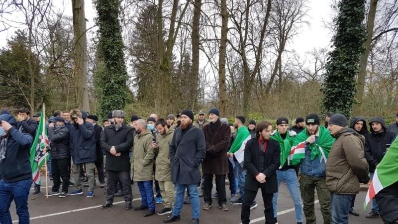 Чеченцы во Франции требуют разъяснений за допрос подростков