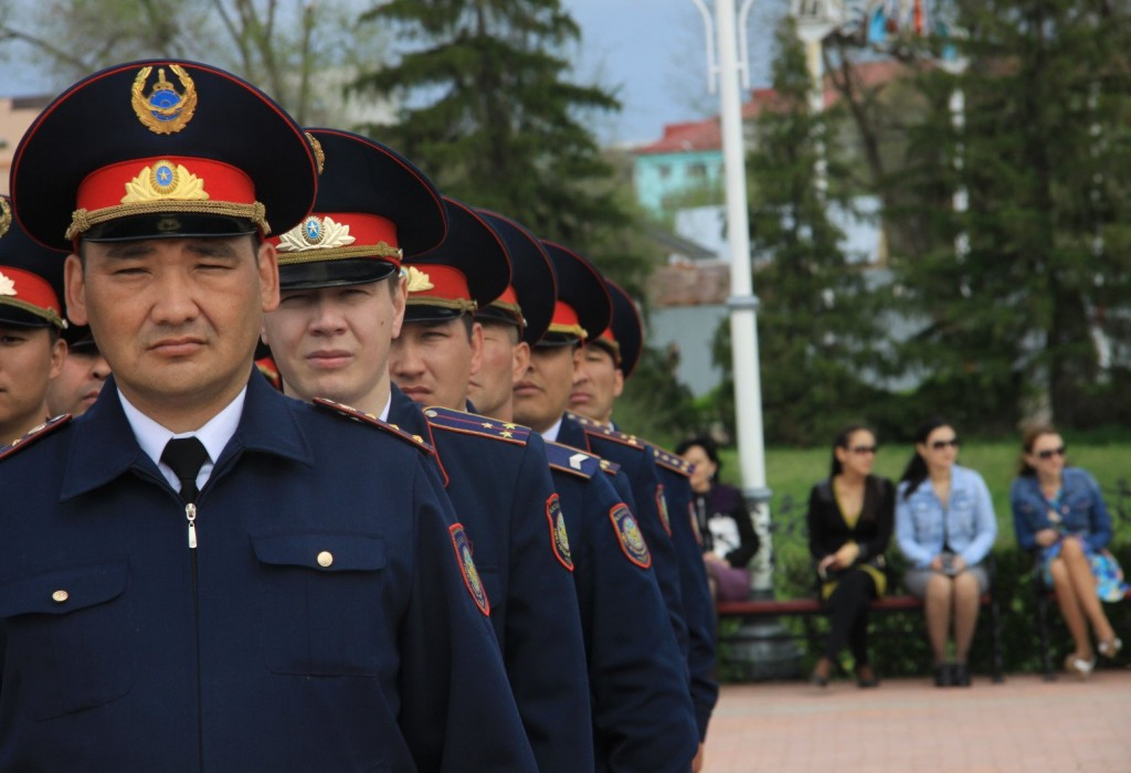 В Казахстане к борьбе с противниками ковид-вакцинации подключилось МВД