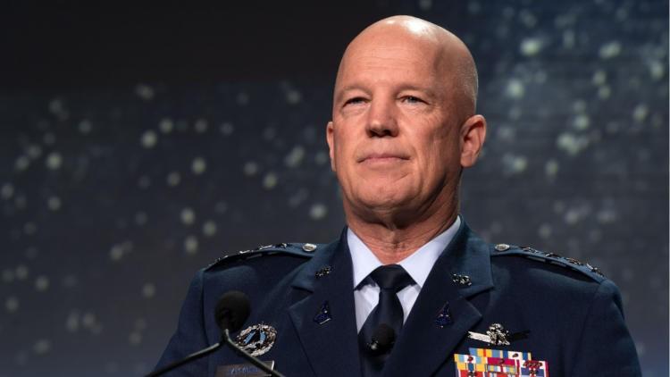 Китай способен уничтожать спутники противников, заявил глава Космических сил США