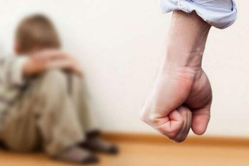 В ЧР мужчина систематически избивал несовершеннолетнего сына