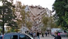 В результате землетрясения в Турции погибло не менее 25 человек