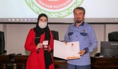 Эльхан Сулейманов награжден памятной медалью Президента России