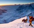 Смерть на Эвересте: тела погибших альпинистов до сих пор лежат на его склонах