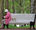 Россиянам решили снизить ежемесячную накопительную пенсию, потому что они стали дольше жить