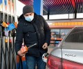 Бензин в России подорожал с опережением графика